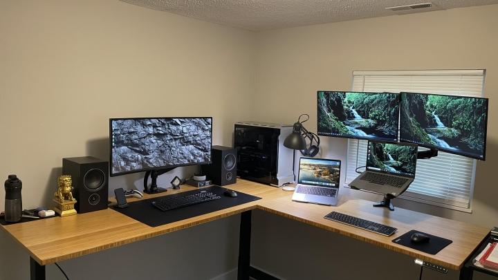 Show_Your_PC_Desk_UltlaWideMonitor_Part81_82.jpg