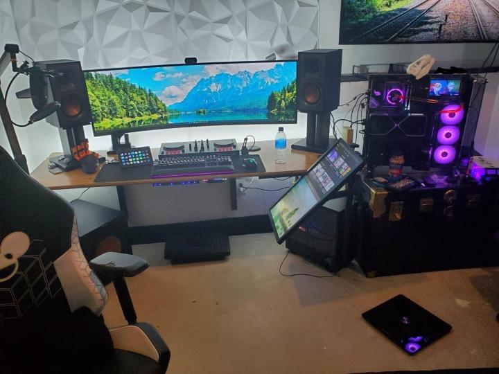 Show_Your_PC_Desk_UltlaWideMonitor_Part81_97.jpg