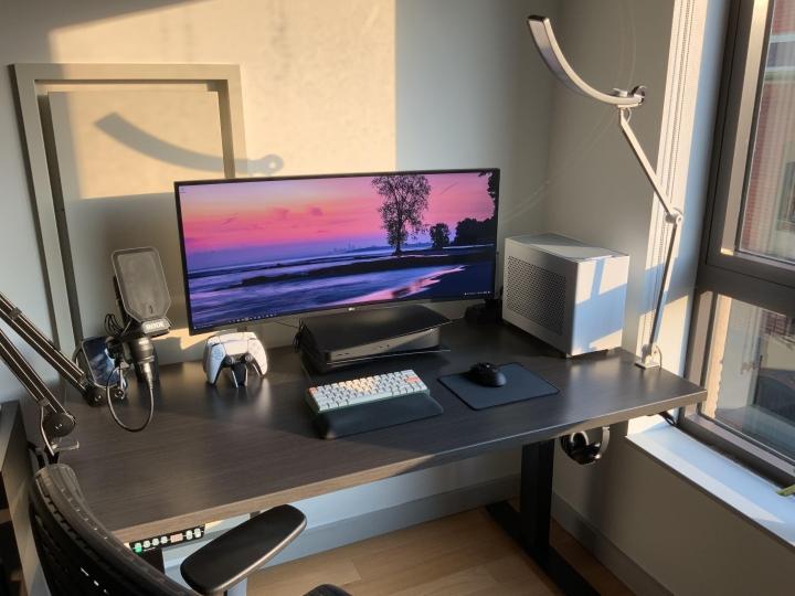 Show_Your_PC_Desk_UltlaWideMonitor_Part82_08.jpg