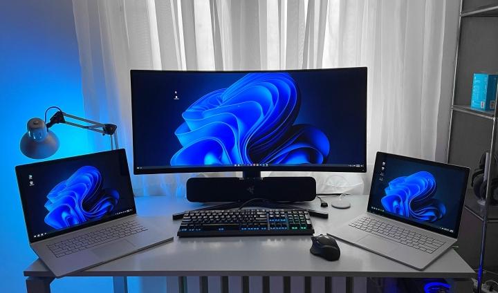 Show_Your_PC_Desk_UltlaWideMonitor_Part82_12.jpg