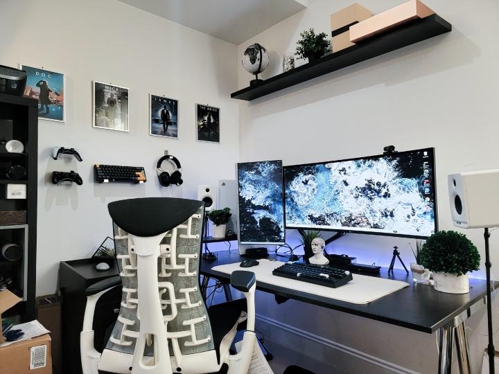 Show_Your_PC_Desk_UltlaWideMonitor_Part82_17.jpg
