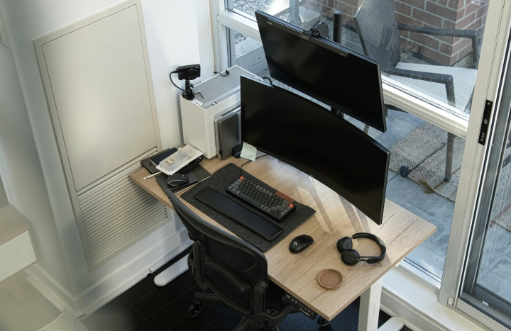 Show_Your_PC_Desk_UltlaWideMonitor_Part82_20.jpg