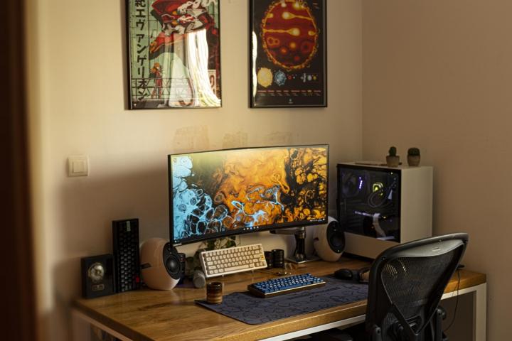 Show_Your_PC_Desk_UltlaWideMonitor_Part82_26.jpg