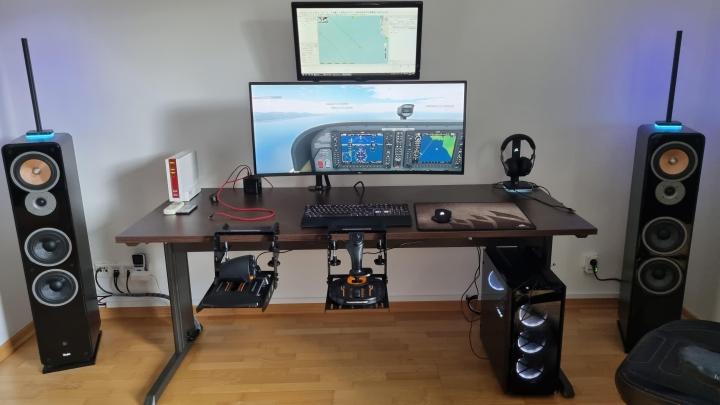 Show_Your_PC_Desk_UltlaWideMonitor_Part82_34.jpg