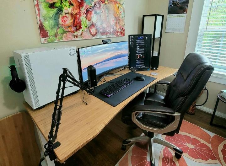 Show_Your_PC_Desk_UltlaWideMonitor_Part82_53.jpg