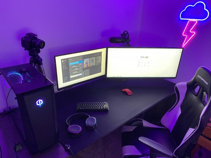 Show_Your_PC_Desk_UltlaWideMonitor_Part82_55.jpg