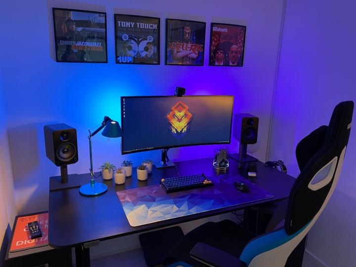 Show_Your_PC_Desk_UltlaWideMonitor_Part82_58.jpg