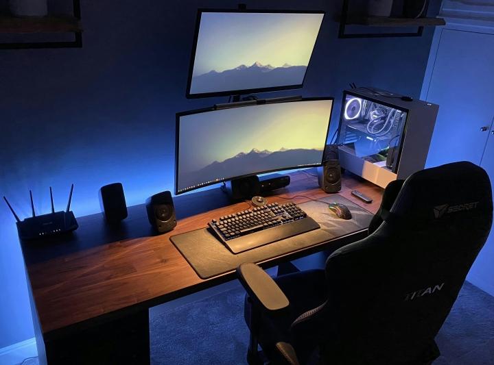 Show_Your_PC_Desk_UltlaWideMonitor_Part82_62.jpg