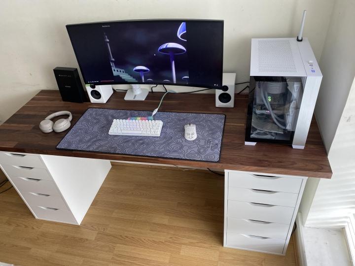 Show_Your_PC_Desk_UltlaWideMonitor_Part82_64.jpg
