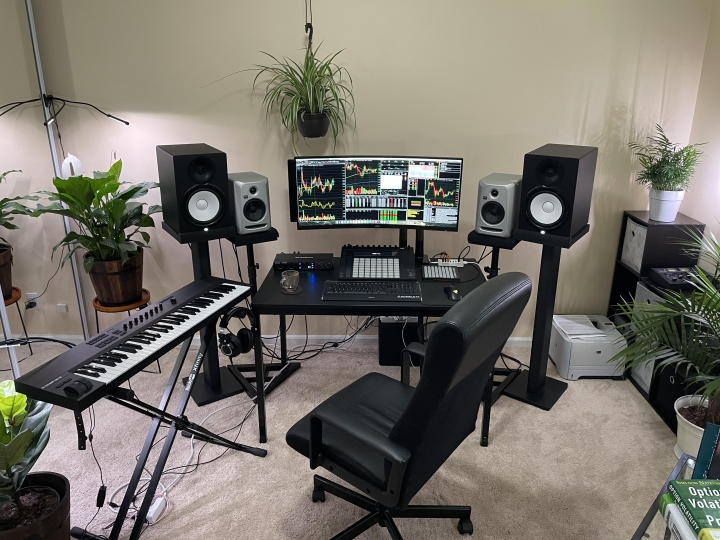 Show_Your_PC_Desk_UltlaWideMonitor_Part82_87.jpg