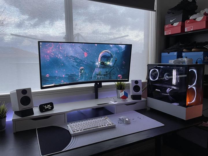 Show_Your_PC_Desk_UltlaWideMonitor_Part82_95.jpg