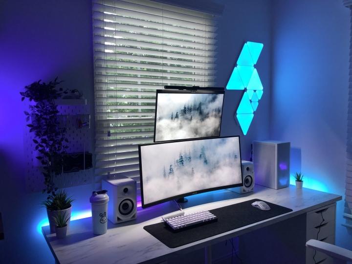 Show_Your_PC_Desk_UltlaWideMonitor_Part82_97.jpg