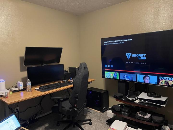 Show_Your_PC_Desk_UltlaWideMonitor_Part83_03.jpg