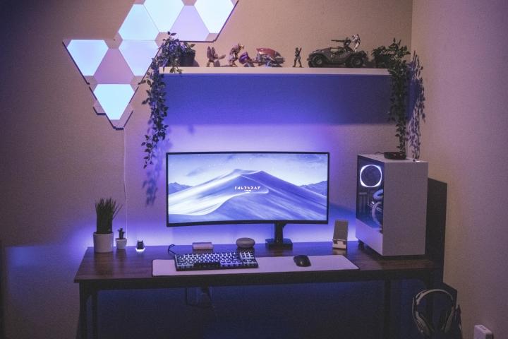 Show_Your_PC_Desk_UltlaWideMonitor_Part83_04.jpg