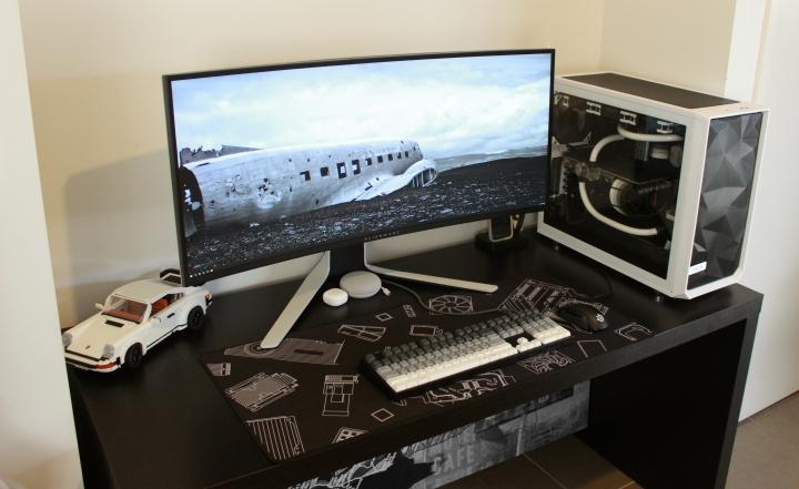 Show_Your_PC_Desk_UltlaWideMonitor_Part83_10.jpg