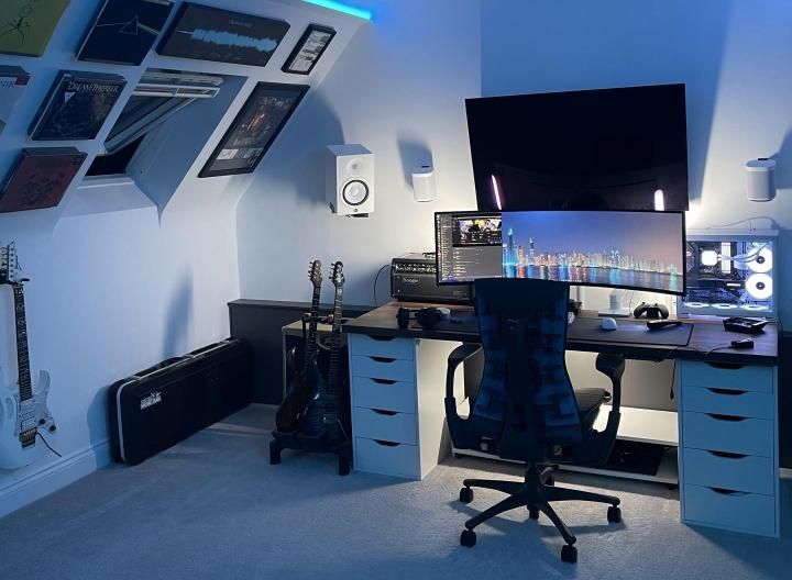 Show_Your_PC_Desk_UltlaWideMonitor_Part83_16.jpg