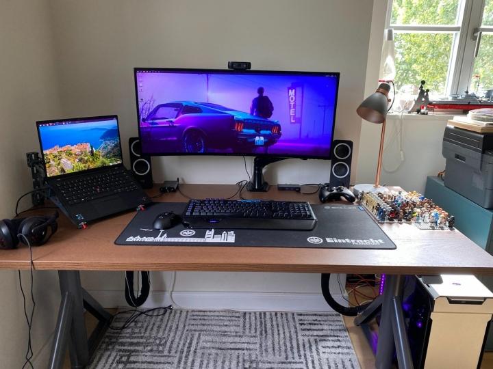 Show_Your_PC_Desk_UltlaWideMonitor_Part83_18.jpg