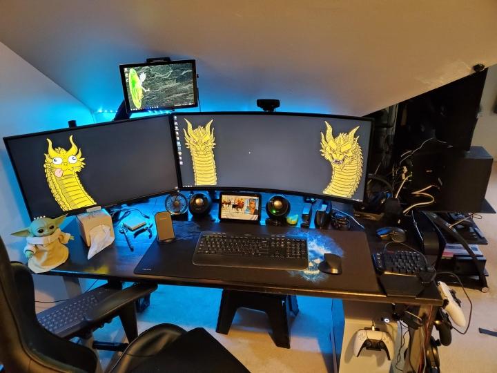 Show_Your_PC_Desk_UltlaWideMonitor_Part83_21.jpg