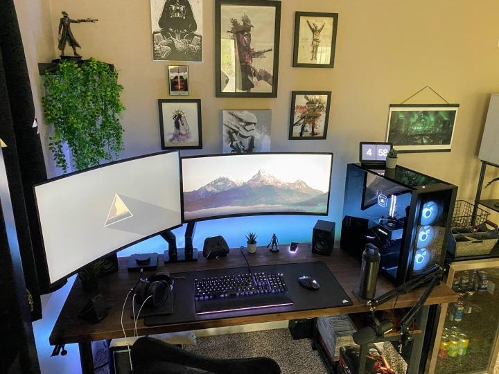Show_Your_PC_Desk_UltlaWideMonitor_Part83_23.jpg