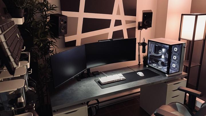 Show_Your_PC_Desk_UltlaWideMonitor_Part83_28.jpg