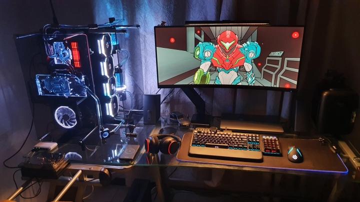 Show_Your_PC_Desk_UltlaWideMonitor_Part83_36.jpg