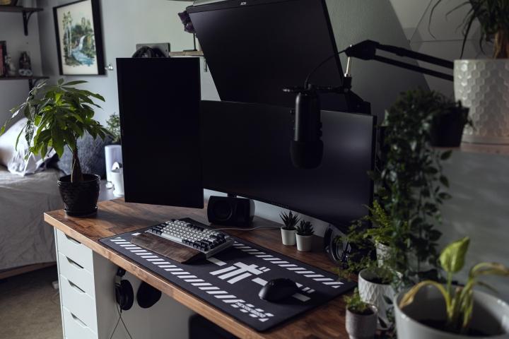 Show_Your_PC_Desk_UltlaWideMonitor_Part83_46.jpg