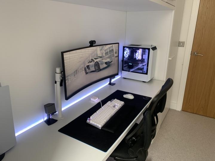 Show_Your_PC_Desk_UltlaWideMonitor_Part83_55.jpg