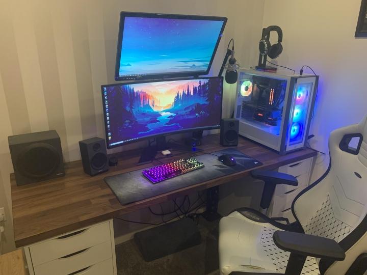 Show_Your_PC_Desk_UltlaWideMonitor_Part83_56.jpg