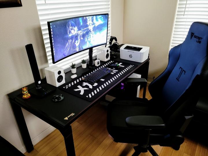 Show_Your_PC_Desk_UltlaWideMonitor_Part83_59.jpg