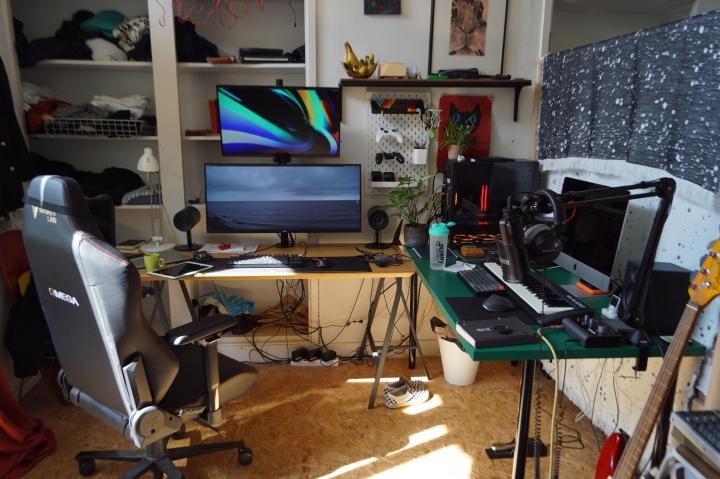 Show_Your_PC_Desk_UltlaWideMonitor_Part83_70.jpg