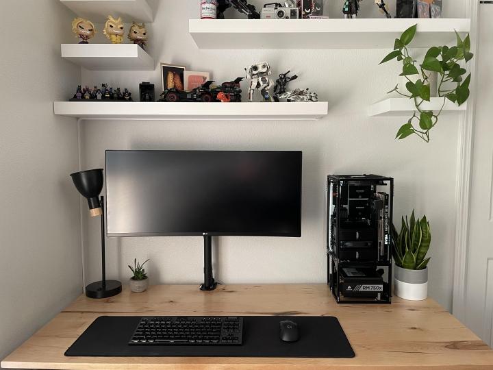 Show_Your_PC_Desk_UltlaWideMonitor_Part83_77.jpg