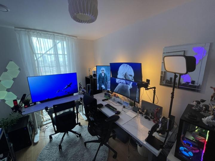 Show_Your_PC_Desk_UltlaWideMonitor_Part83_85.jpg