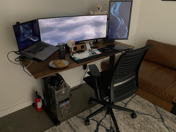 Show_Your_PC_Desk_UltlaWideMonitor_Part83_92.jpg