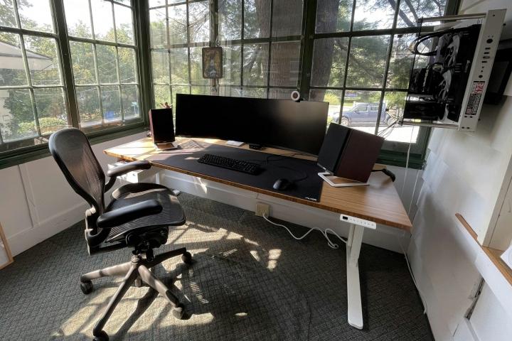 Show_Your_PC_Desk_UltlaWideMonitor_Part84_01.jpg