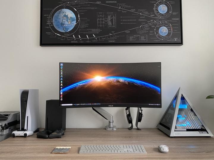 Show_Your_PC_Desk_UltlaWideMonitor_Part84_03.jpg