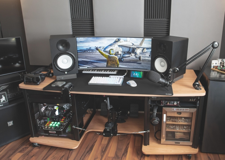 Show_Your_PC_Desk_UltlaWideMonitor_Part84_06.jpg