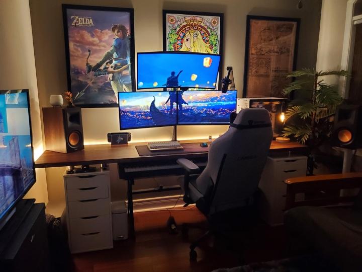 Show_Your_PC_Desk_UltlaWideMonitor_Part84_19.jpg