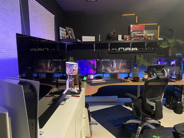 Show_Your_PC_Desk_UltlaWideMonitor_Part84_25.jpg