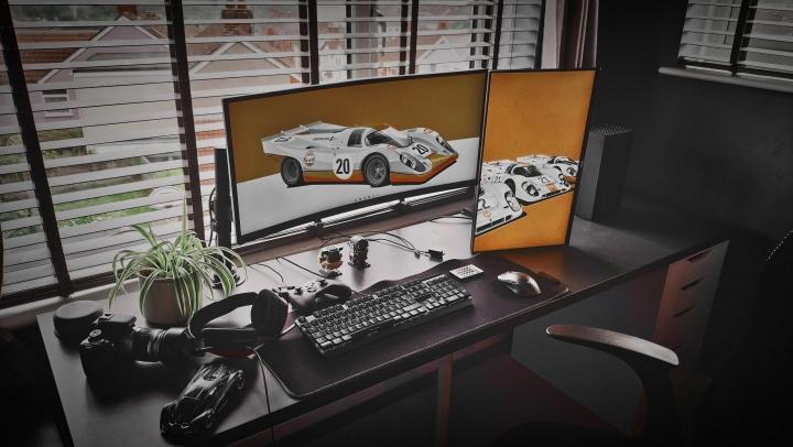 Show_Your_PC_Desk_UltlaWideMonitor_Part84_28.jpg