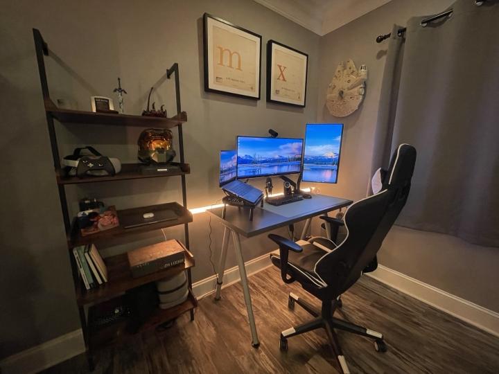 Show_Your_PC_Desk_UltlaWideMonitor_Part84_32.jpg