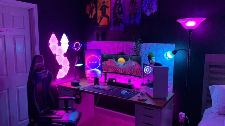 Show_Your_PC_Desk_UltlaWideMonitor_Part84_38.jpg