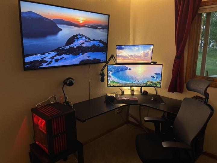 Show_Your_PC_Desk_UltlaWideMonitor_Part84_39.jpg