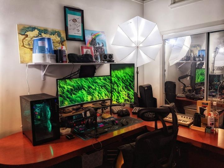 Show_Your_PC_Desk_UltlaWideMonitor_Part84_49.jpg