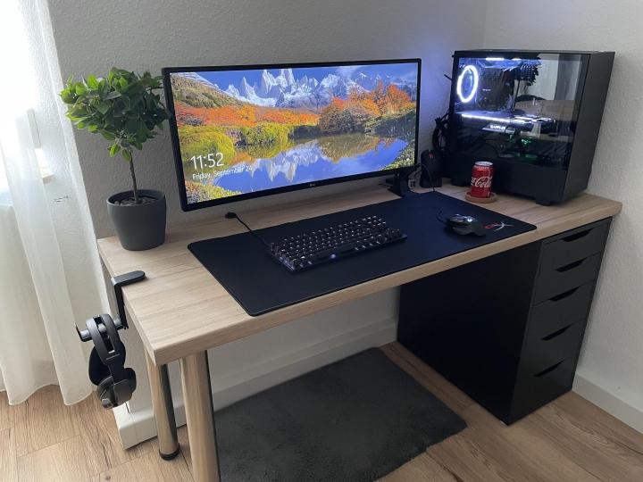 Show_Your_PC_Desk_UltlaWideMonitor_Part84_70.jpg