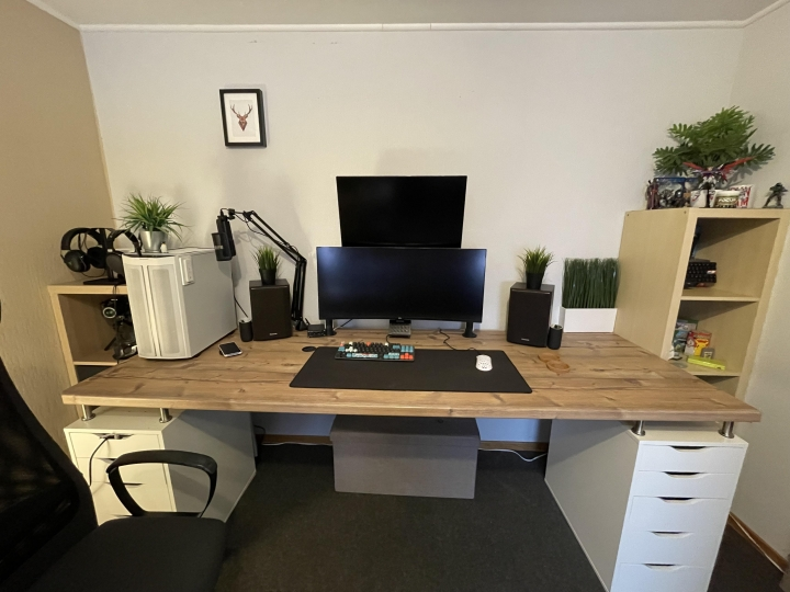 Show_Your_PC_Desk_UltlaWideMonitor_Part84_85.jpg