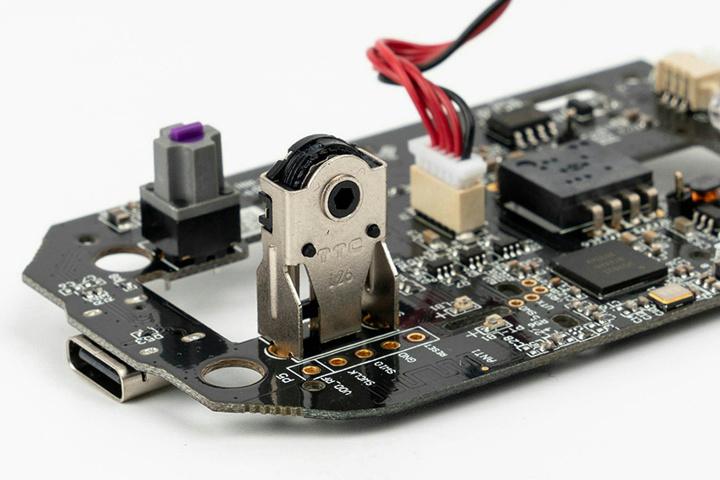 SteelSeries_Prime_Wireless_Dismantle_03.jpg