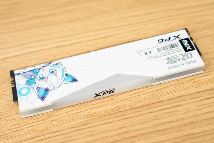 XPG_SPECTRIX_D50_Fubuki_04.jpg